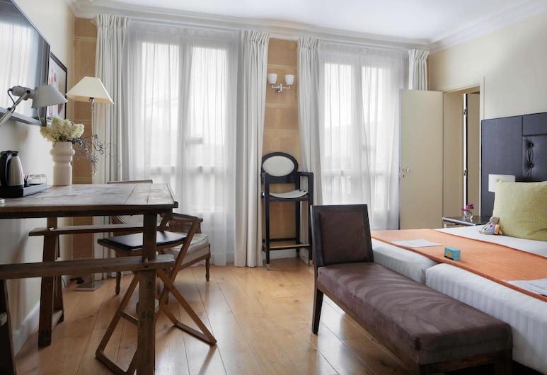 Hôtel Le 123 Elysées - Astotel, Paris, Chambre Familiale, Chambre