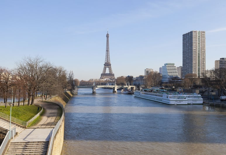 Timhotel Tour Eiffel, Pariis, Välisilme
