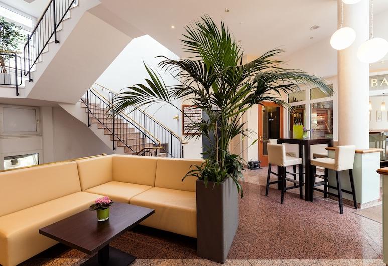SensCity Hotel Berlin Spandau, Berlin, Lobby Sitting Area