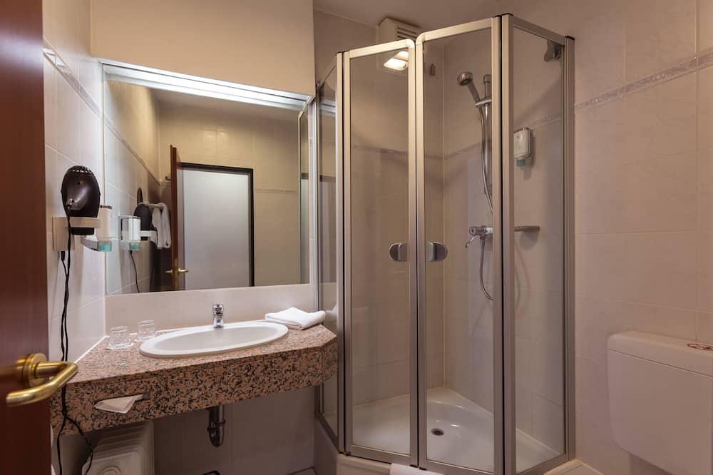 スタンダード ダブルルーム (SensBase) - バスルーム