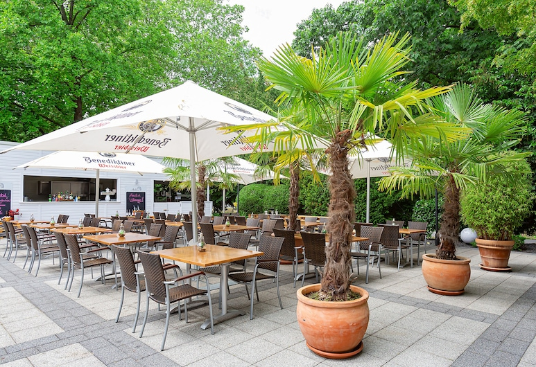 Dorint Kongresshotel Düsseldorf/Neuss, Neuss, Sundeck