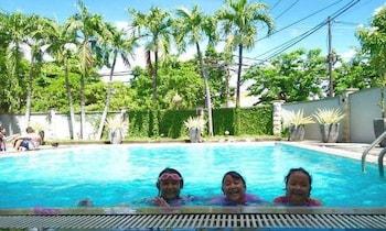 ภาพ Country Heritage Resort Hotel ใน สุราบายา