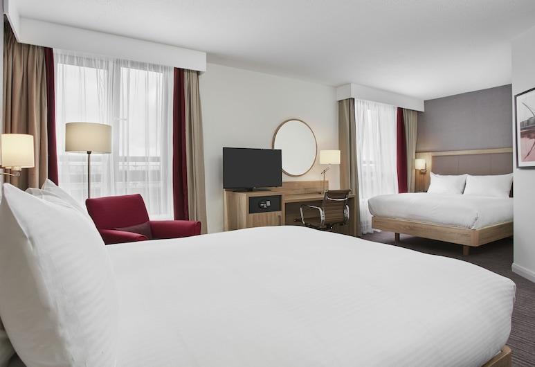 Hilton Garden Inn Dublin Custom House, ดับลิน, ห้องดีลักซ์ทวิน, หลายเตียง, ห้องพัก