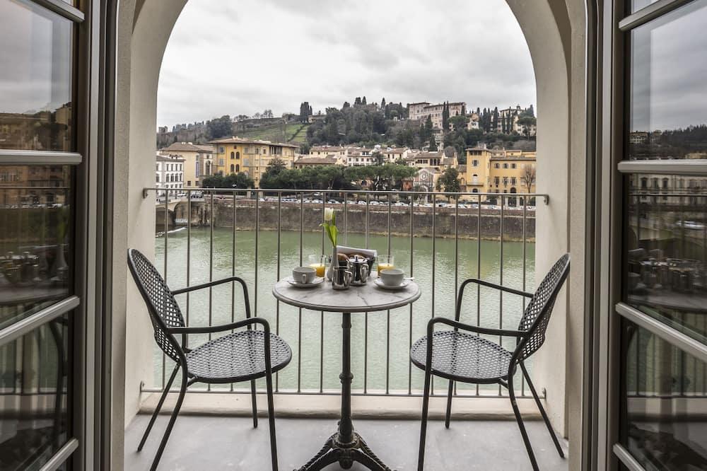 Kamar Double atau Twin Deluks, balkon, pemandangan sungai - Pemandangan Balkon