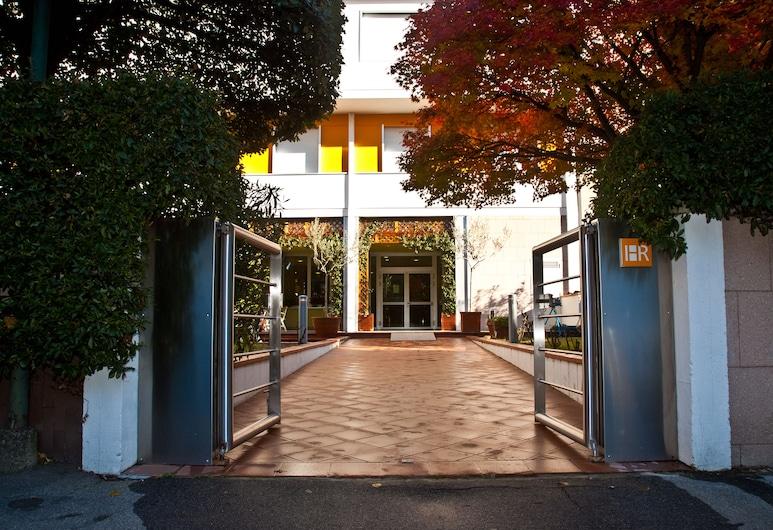 Hotel Raffaello, Florence, Hotel Entrance