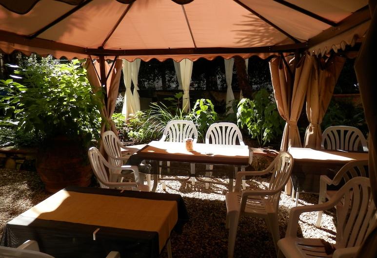 Hotel Ariele, Florencia, Jardín