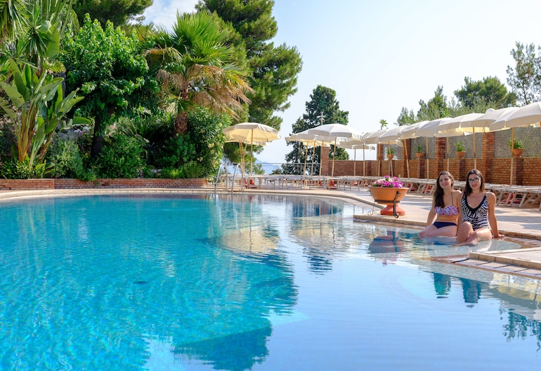 โรงแรมอาริสตัน และปาลาซโซ ซานตากาเตรินา, ทาโอร์มินา, สระว่ายน้ำ