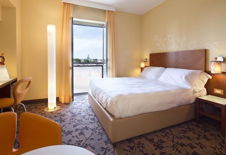 UNAHOTELS Mediterraneo Milano, מילאנו, חדר סופריור זוגי ליחיד, נוף לעיר, חדר אורחים