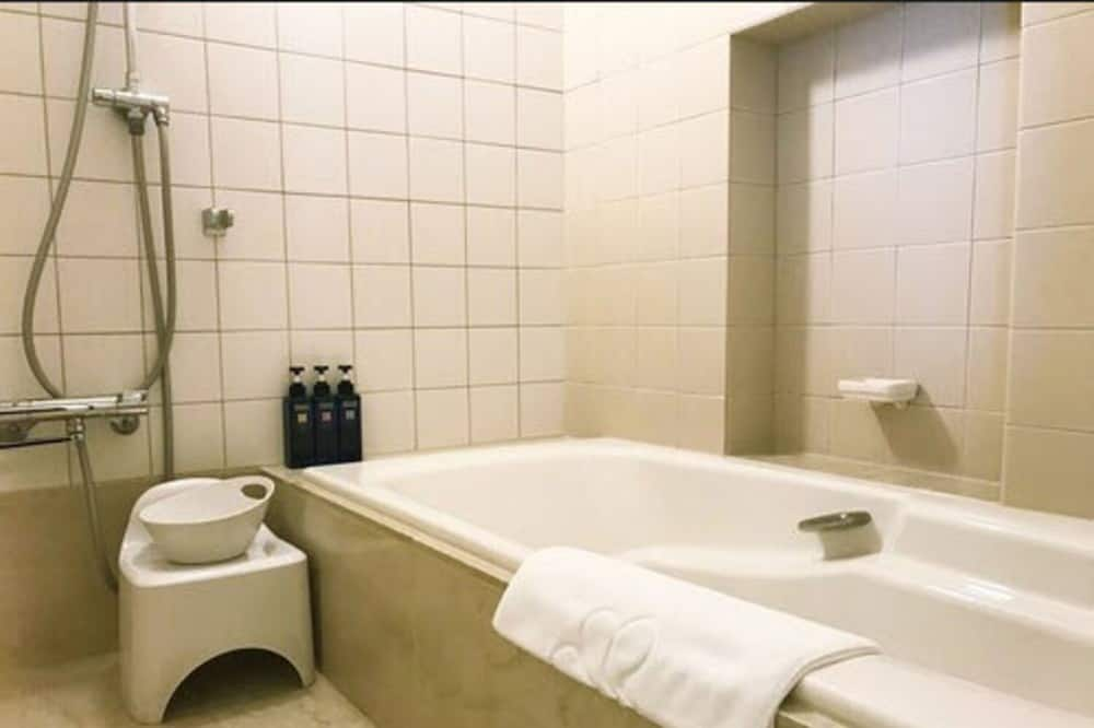 ห้องเอ็กเซกคิวทีฟทวิน - ห้องน้ำ