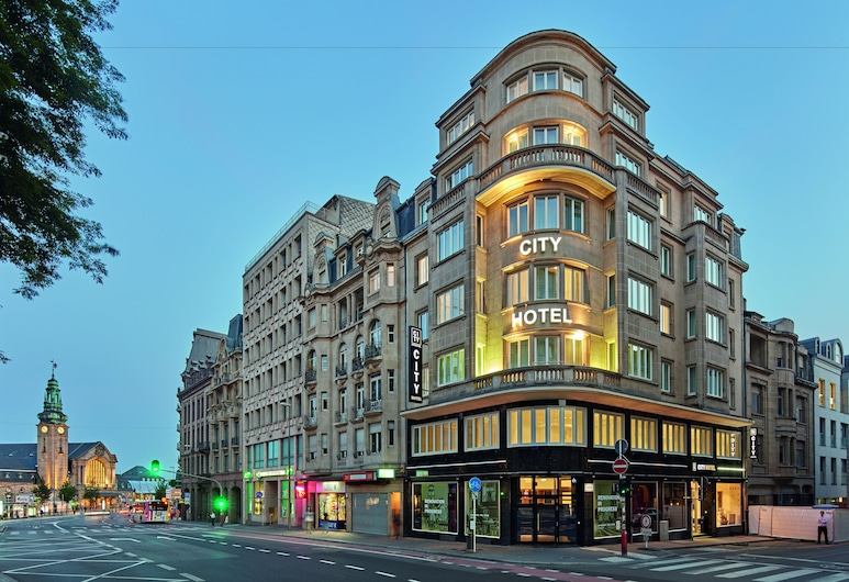City Hotel, Luxemburg, Hotellfasad - kväll