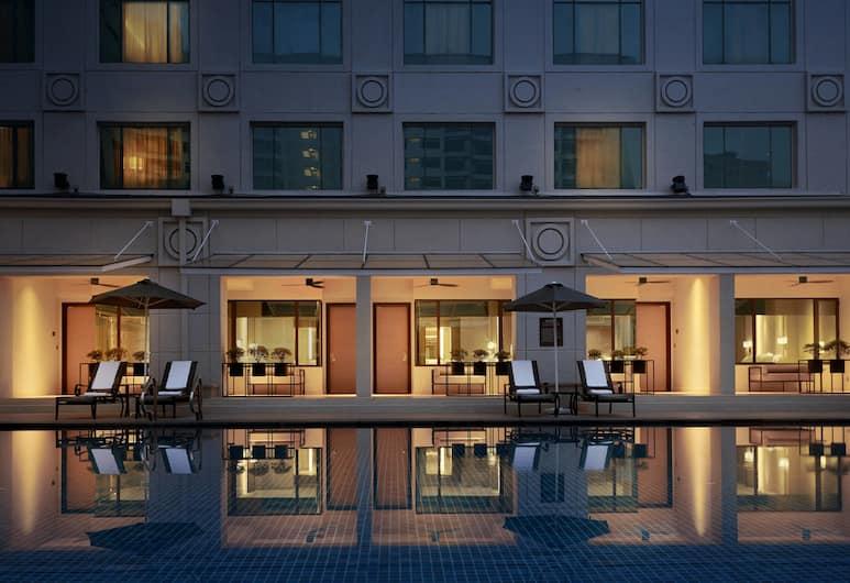 JW Marriott Kuala Lumpur, Kuala Lumpur, Executive Studio, 1 King Bed, Business Lounge Access, Poolside (Cabana, Non-Smoking), Guest Room