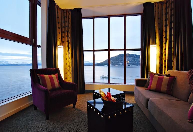 Clarion Collection Hotel Arcticus, Harstad, Suite junior, 1 cama doble (Includes a light evening meal), Sala de estar