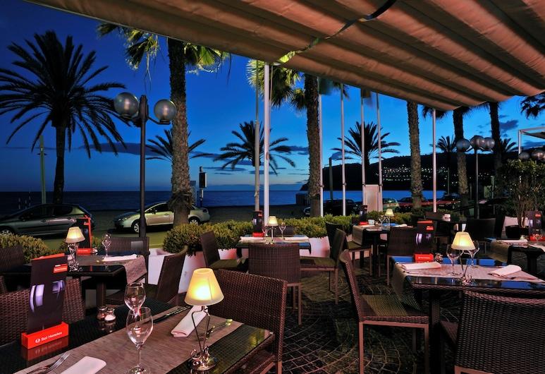 Sol Los Fenicios, Almunecar, ארוחה בחוץ