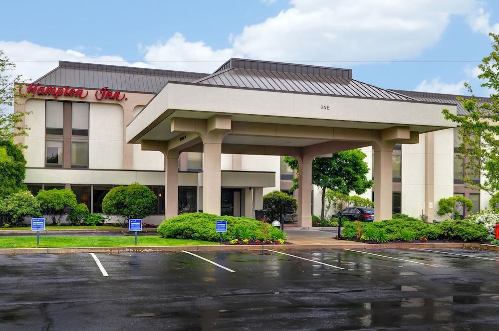 Hampton Inn By Hilton New Bedford Fairhaven Hotel Entrance