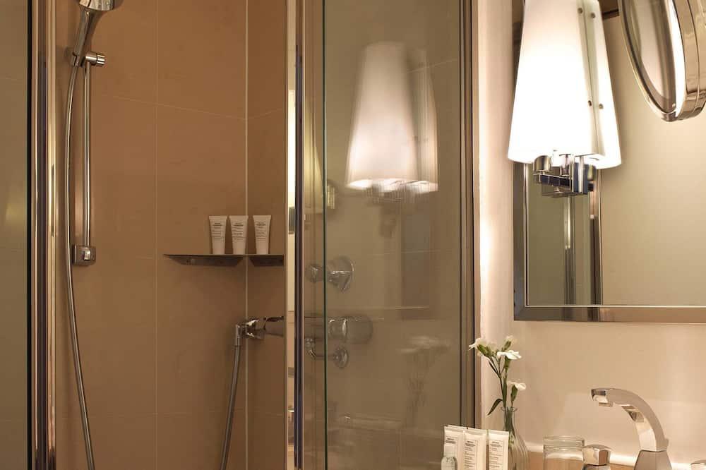 Suite, 1 Queen Bed, Non Smoking (Cosy) - Bathroom