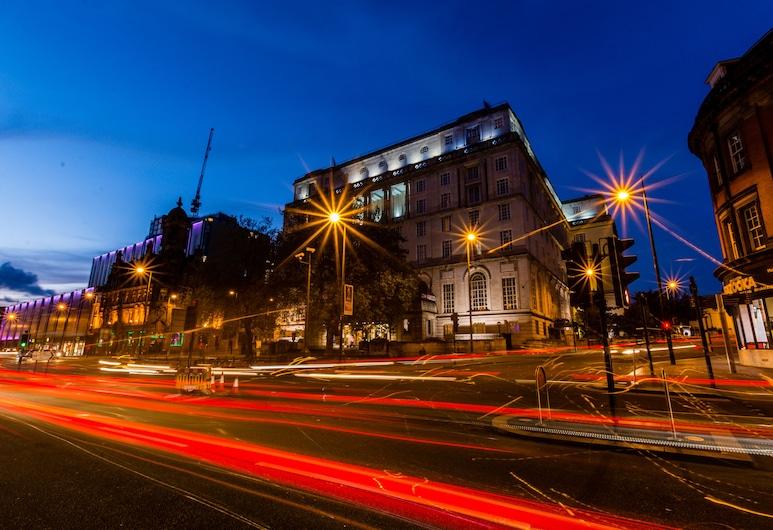 Britannia Adelphi Hotel, Liverpool, Otelin Önü - Akşam/Gece