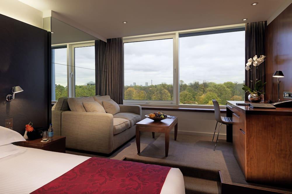 Royal Deluxe Studio, High Floor - Guest Room