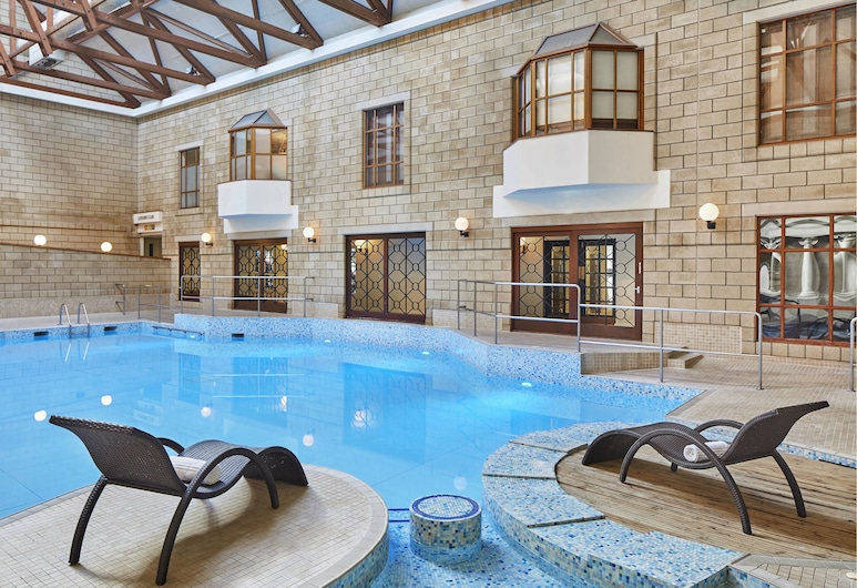 Tudor Park Marriott Hotel & Country Club, Maidstone, Indoor Pool