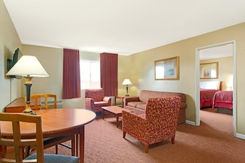 Fotografia hotela (Days Inn and Suites by Wyndham St. Louis/Westport Plaza) v meste Maryland Heights