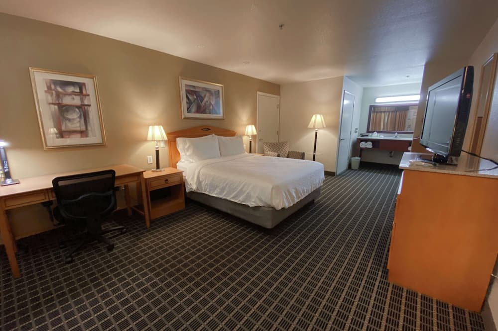 Standard Room, 1 Queen Bed, Non Smoking, Refrigerator & Microwave (Twin bed on request) - Guest Room