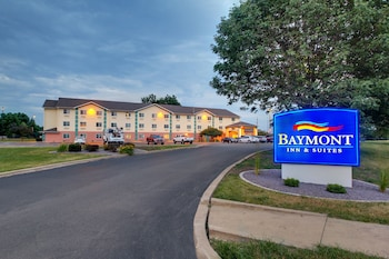 Picture of Baymont Inn & Suites Galesburg in Galesburg