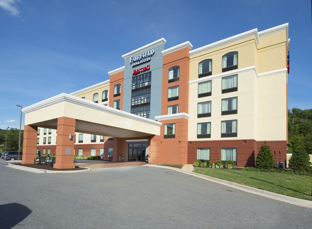 Book Fairfield Inn Suites Lynchburg Liberty University In Hotels