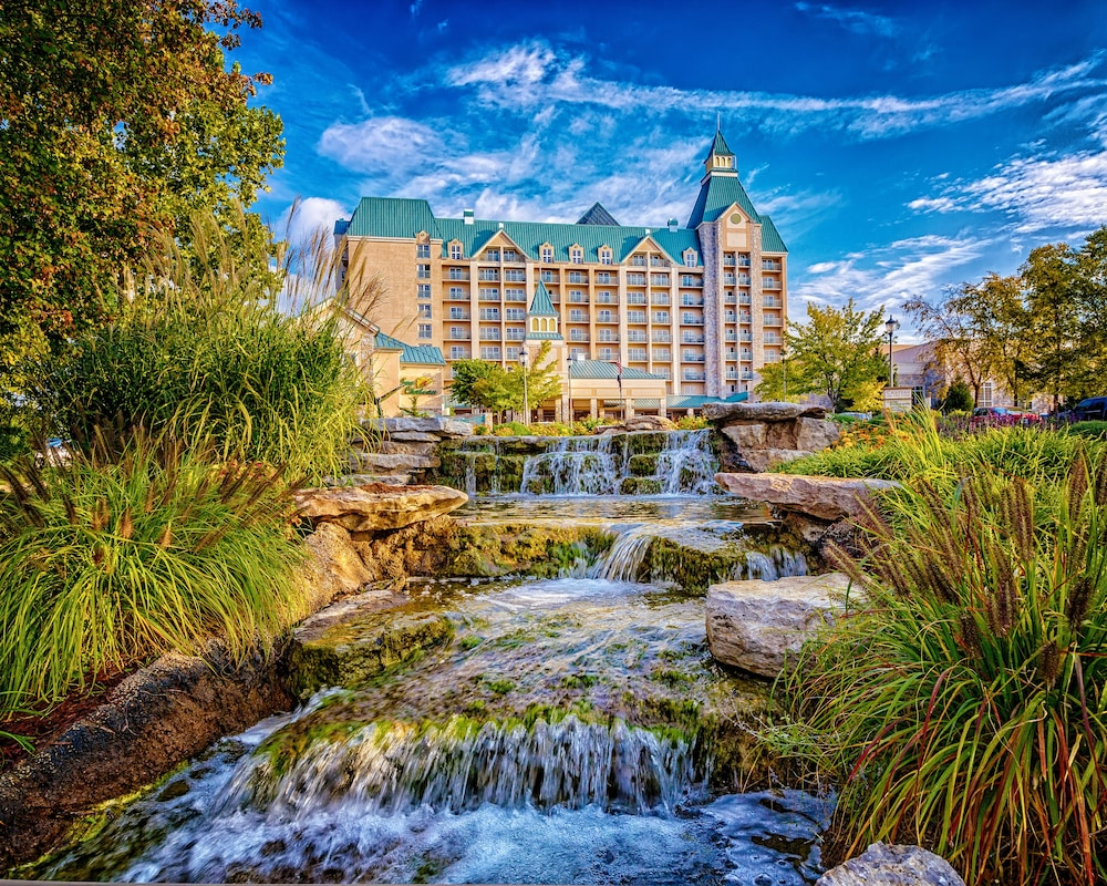 Chateau On The Lake Resort Spa and Convention Center, Branson