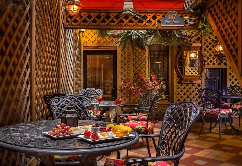 Casablanca Hotel by Library Hotel Collection, Nova York, Design do edifício