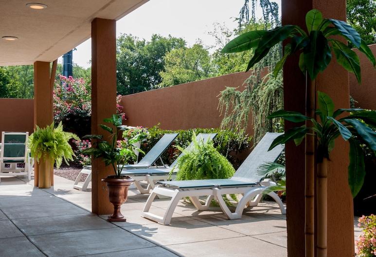 Courtyard by Marriott Nashville at Opryland, Nashville, Patio