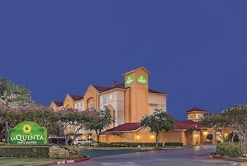 Picture of La Quinta Inn & Suites Dallas Arlington South in Arlington