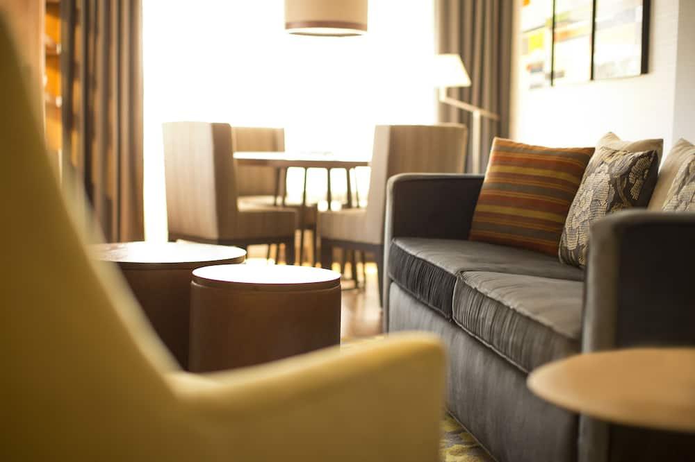 Cosmopolitan Suite - Living Area