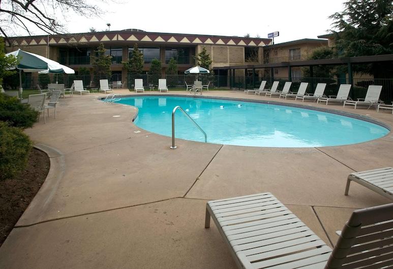 Red Lion Hotel Yakima Center, Yakima, Pool