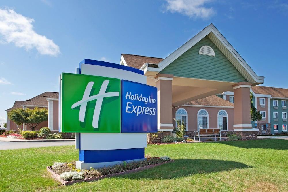 Holiday Inn Express Birch Run - Frankenmuth Area, an IHG Hotel