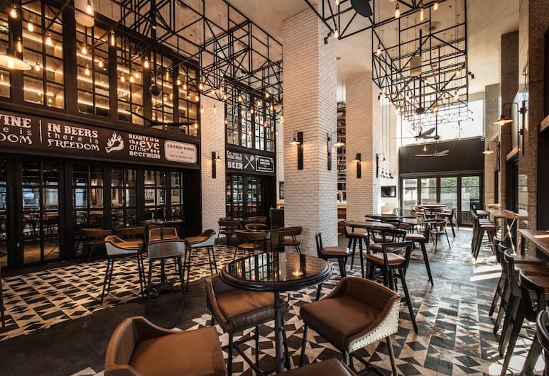 Holiday Inn Bangkok, Bangkoka, Restorāns