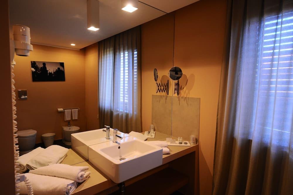 Superior-Zimmer, 1 Queen-Bett, Nichtraucher (Converts to 2 Twin Beds) - Badezimmer