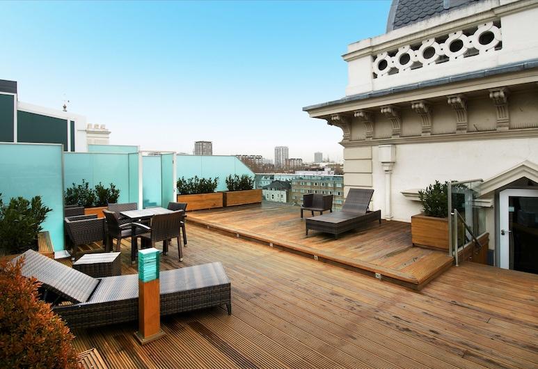 Hilton London Paddington, London, Tower Suite, 1 King Bed, Tower, City View, Guest Room