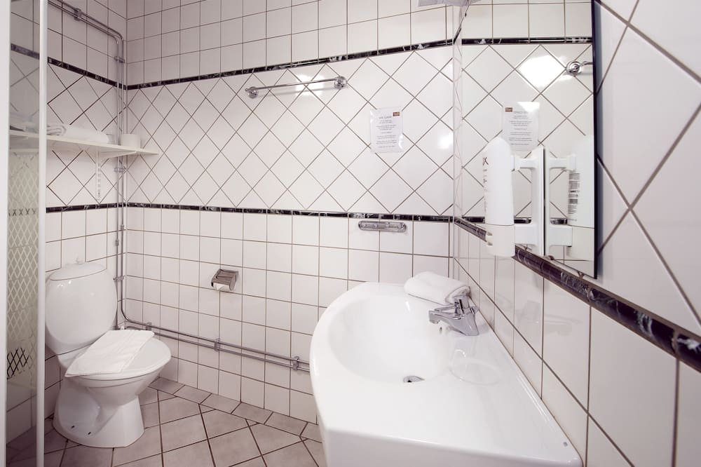 ห้องสแตนดาร์ด, เตียงเดี่ยว 1 เตียง (Includes a light evening meal) - ห้องน้ำ