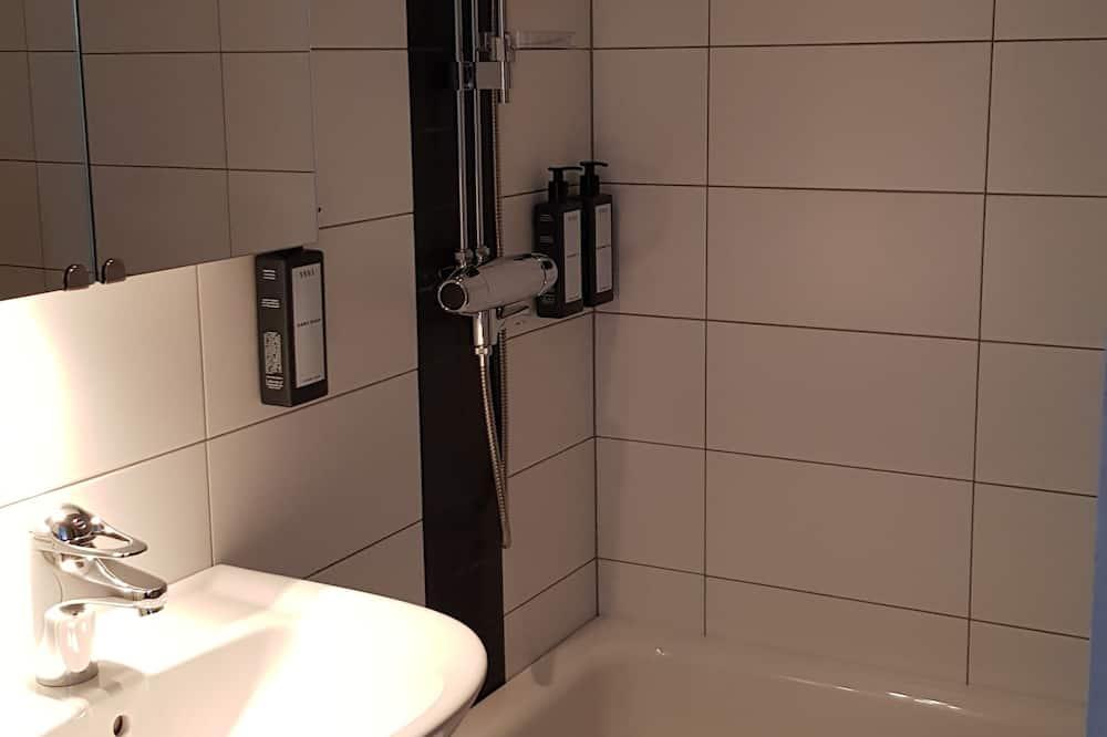 Familie driepersoonskamer - Badkamer