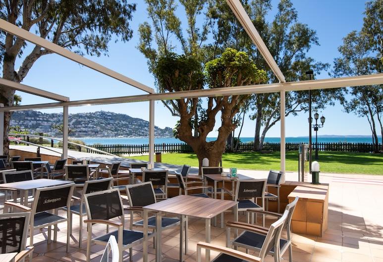 Hotel Prestige Coral Platja, Roses, Terassi/patio
