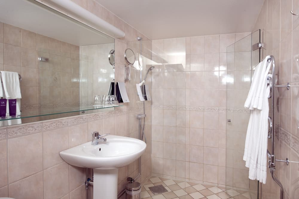 Улучшенный номер, 2 односпальные кровати (Includes a light evening meal) - Ванная комната