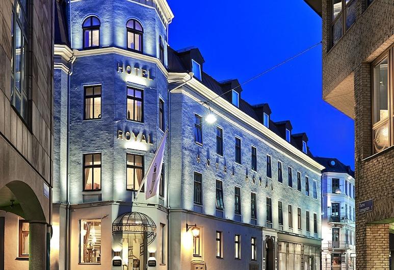 Hotel Royal, โกเธนเบิร์ก, ด้านหน้าของโรงแรม - ช่วงเย็น/กลางคืน