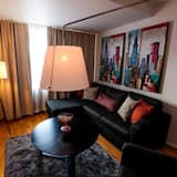 Deluxe Room, Non Smoking - Living Room