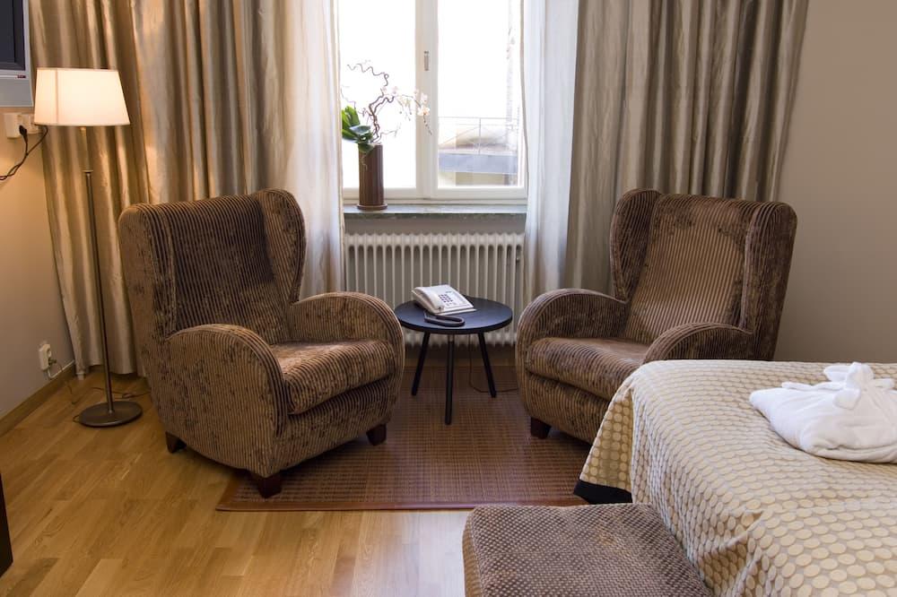 Deluxe Room, Non Smoking - Living Area