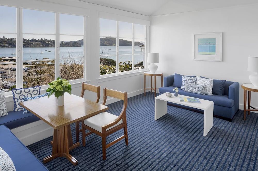 Cottage (Hillside Guest House) - Living Room
