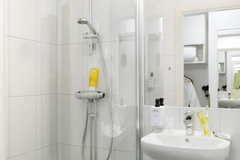 Family Room (Superior) - Bathroom
