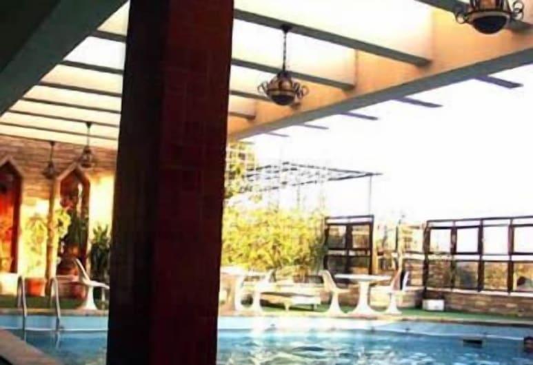 Pharaoh Egypt Hotel, Giza, Basen odkryty