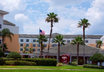 Choose This Mid-Range Hotel in Orlando