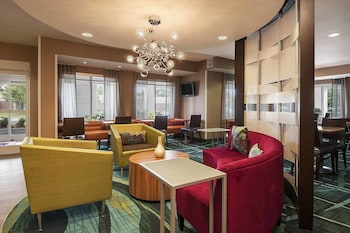 Enter your dates to get the Baton Rouge hotel deal