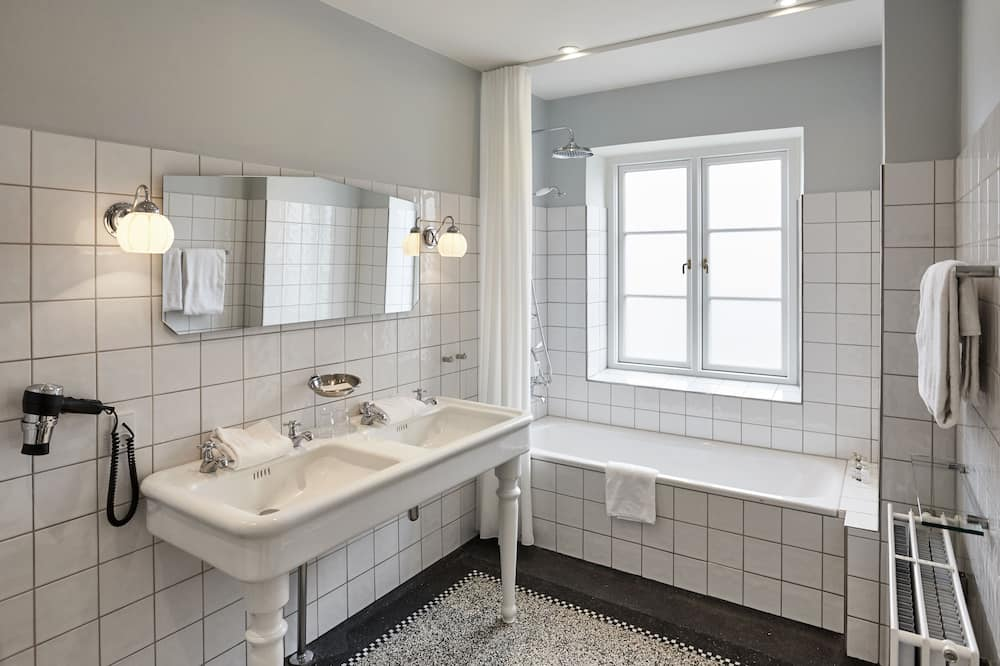 Люкс «Классик» (Antique Room) - Ванная комната