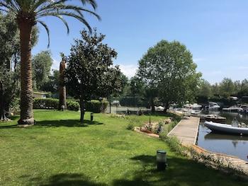 Choose This 2 Star Hotel In Mandelieu-La-Napoule